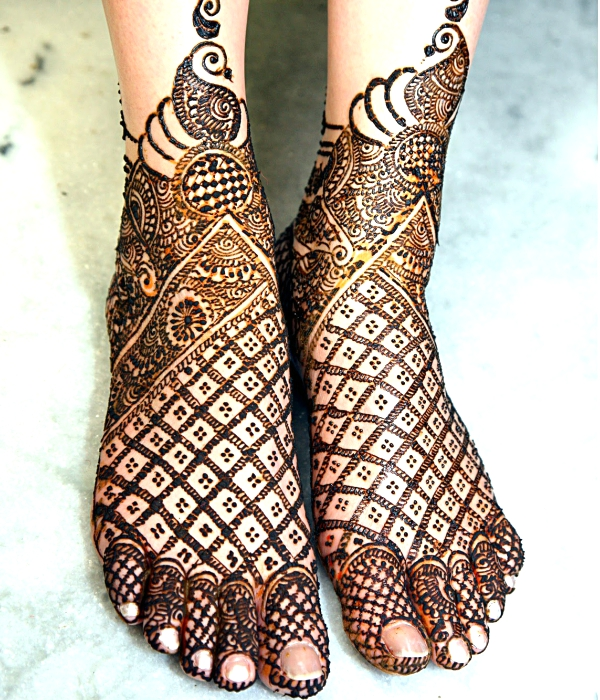 Feet Mehndi Designs Bridal : Indian bridal mehndi designs for feet on wedding weddingplz