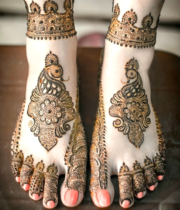 Indian Bridal Mehndi Designs for Feet on Wedding