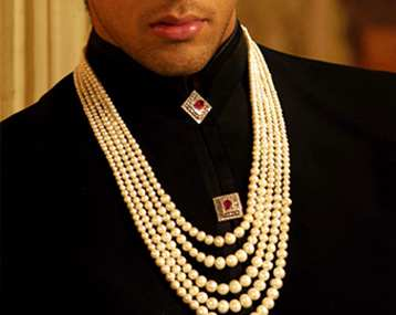 neck accesories