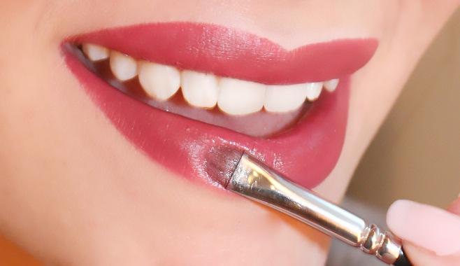 Bold Lipstick.weddingplz