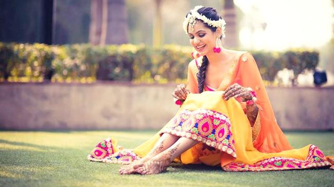 I Mehndi Flower Jewelry : Like a flower trending floral jewellery weddingplz