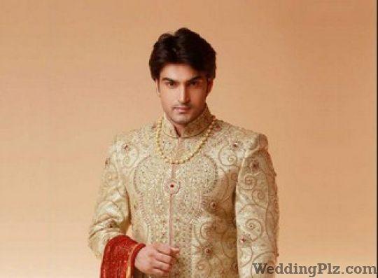 Groom Wear in Delhi, Groom Dresses for Wedding Delhi Ncr | Weddingplz