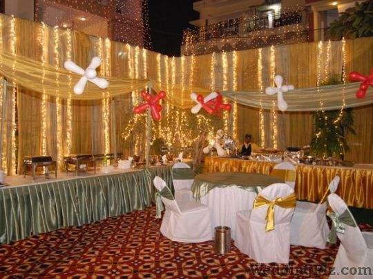 Tent house in malviya nagar malviya nagar tent house for Adamo salon malviya nagar