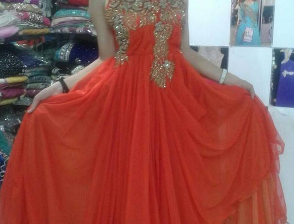Wedding Dresses And Gowns On Rent In Krishna Nagar