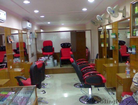 Style U Hair Parlour, Mulund West, Central Mumbai