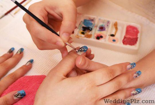 Nail Art Studios In Mumbai Nail Extensions In Mumbai Weddingplz